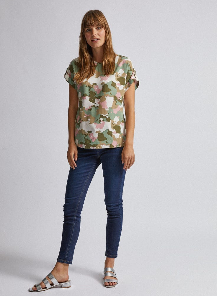 Camouflage Print Button T-Shirt